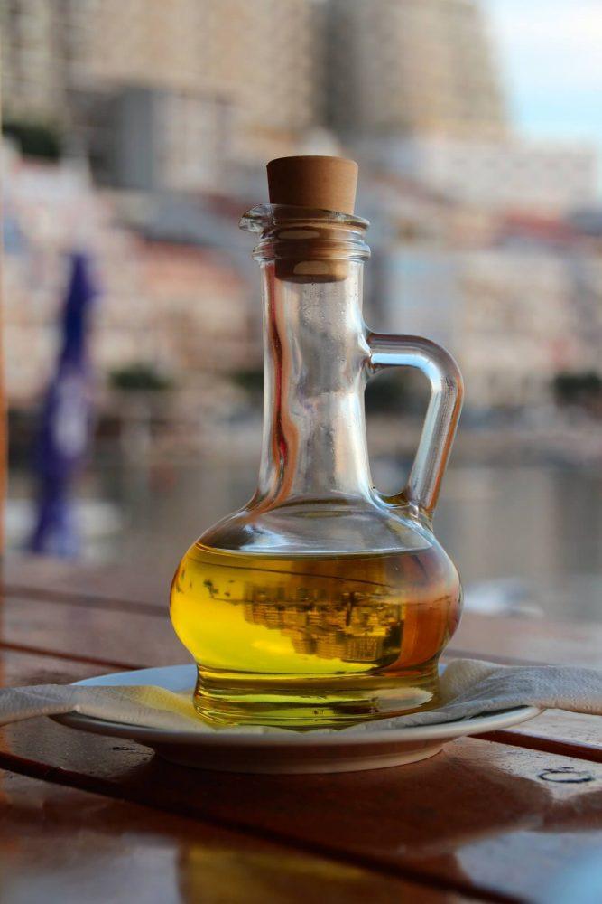olive-oil-1028770_1920